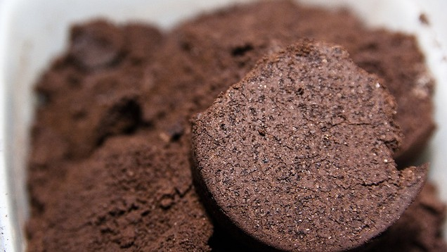caffeine in old coffee grounds